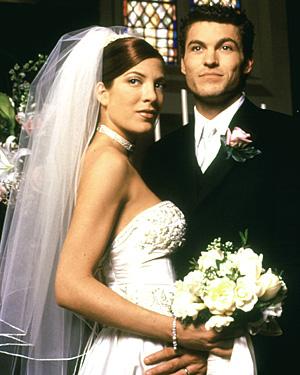 BEVERLY HILLS, 90210, Tori Spelling, Brian Austin Green, 1990-2000