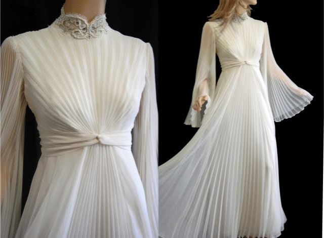 1970s-chiffon-wedding-dress-Natural-Hair-Bride